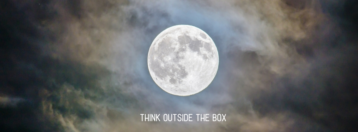 Aquarius Full moon - think outside the box